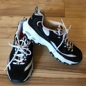 Sketchers Comfort Fit Memory Foam Sneakers sz 8.5